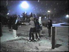 snow-01.jpg (11102 bytes)