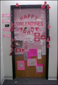 Another pair of women decorated this door on the freshman side. This was probably one of the most extravagant doors I'd seen, with colors and notes everywhere. In fact, you can get free condoms here, as well as pick-up lines!